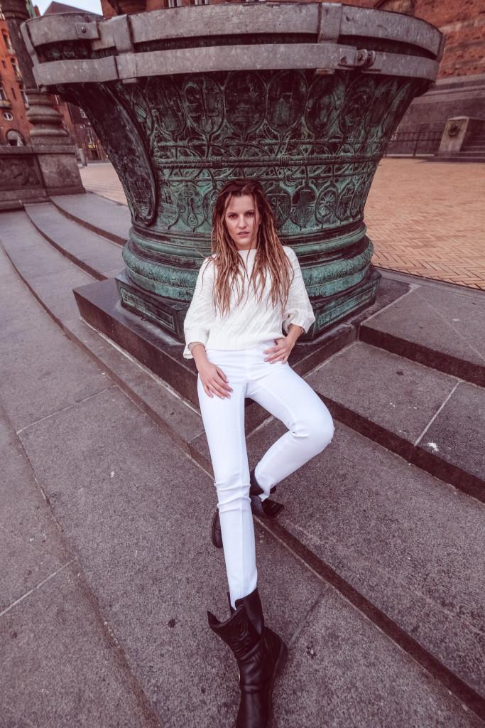 Veronika Chmelířová, Humility, foto Hair studio Honza Kořínek (17)